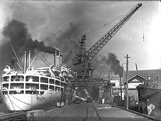 Orient Steam Navigation Company - Image: The vessel Orcades docked at Pyrmont (5016323649)