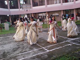 Thiruvathira - Women performing Thiruvathirakali