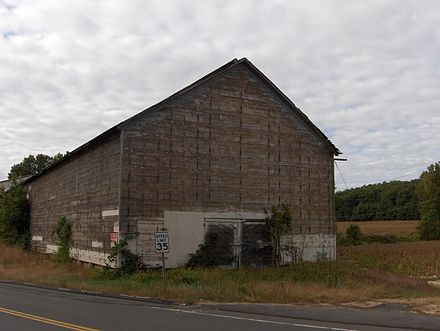 Tobacco barn in Simsbury, Connecticut used for air curing of shade tobacco Tobacco barn.JPG