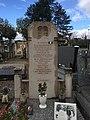 Tombe de la famille Bourgeois à Saint-André-de-Corcy dont Paul Bourgeois, massacré par les Allemands le 23 juin 1944.jpg