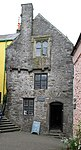 Tudor Merchant's House Tenby (35486638121).jpg