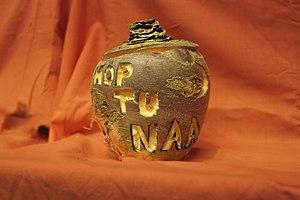Hop-tu-Naa - Image: Turnip carved with hop tu naa