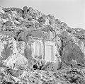 Twee reliëfs in de rotsen van de vallei van Nahr el Kelb, Bestanddeelnr 255-6443.jpg