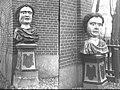 Twee van drie koningshoofden, tuinbeelden - Stompetoren - 20488947 - RCE.jpg