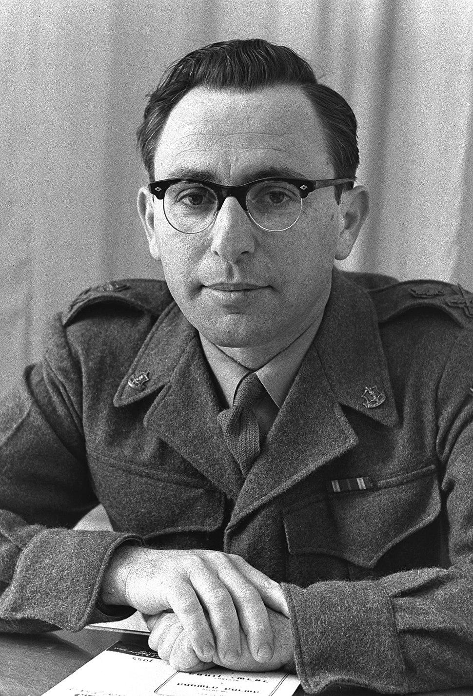 צבי צור בשנת 1955