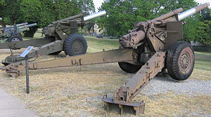 4.5-inch Gun M1 - 155 mm Howitzer M1 (left) and 4.5 inch Gun M1 (right) at the U.S. Army Field Artillery Museum, Ft. Sill, OK. Note the similarity between the two pieces.