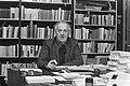 Uitgever Van Oorschot opdracht, Bestanddeelnr 928-8048.jpg