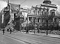 Ulica Kralja Milana az ulica Dragoslava Jovanivica felé nézve, szemben a romos egykori szerb királyi palota (Stari Dvor). Fortepan 16209.jpg