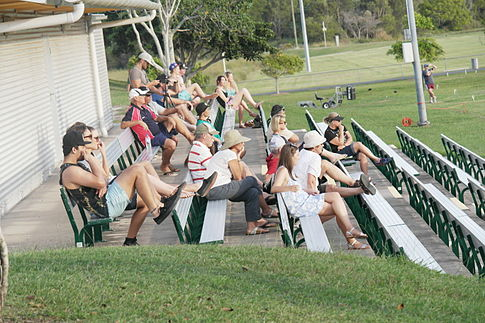 Uni vs. Caloundra crowd April 26, 2014.JPG