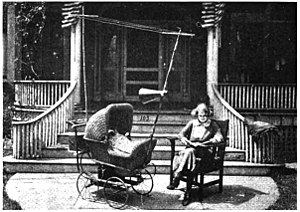 WRUC - Image: Union College baby carriage radio 1921