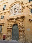 Valletta, Auberge d'Italie, portal.jpg