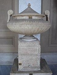 Vatican Museum urn.jpg