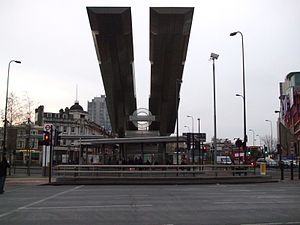 Vauxhall bus and tube stn building.JPG