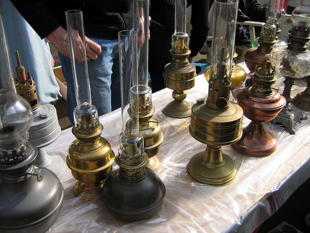 Vieilles lampes à petrole.JPG