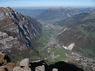 Glarus Nord - View of the Glarus valley, Glarus lower right corner, Mollis, Näfels and Niederurnen visible further up the valley