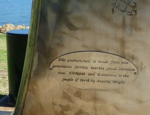 WTPF - samwilson - Plaque on the sundial.jpg