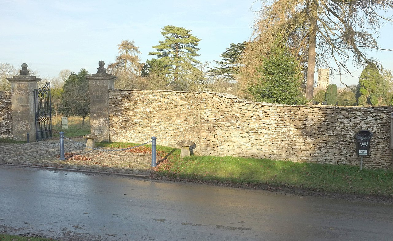 File Wall and gateway Luckington Court geograph by Derek