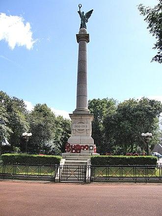 Mowbray Park - Sunderland War Memorial located just outside the park