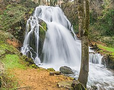 Waterfall in Muret-le-Chateau 09.jpg