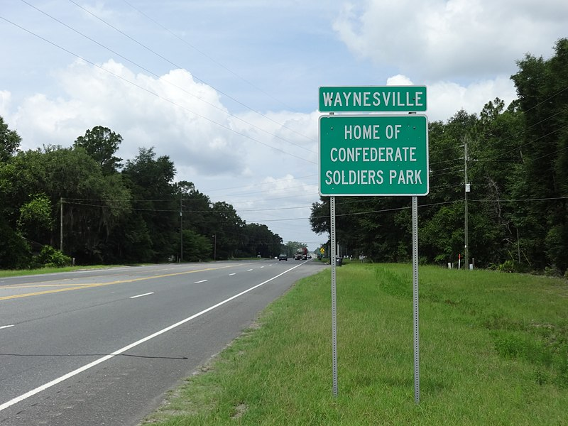 File:Waynesville limit, US82WB.JPG