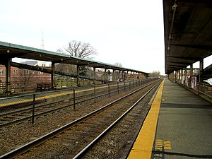 Winchester Center platforms, January 2013.JPG