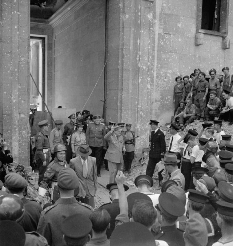 Winston Churchill in Berlin, July 1945 BU8962
