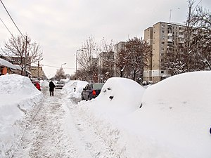 January 2017 European cold wave - Heavy snow in Bucharest causes major disruption to the traffic (11 January).