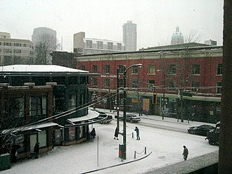Climate of Vancouver - A snowy day in Gastown in January 2004.