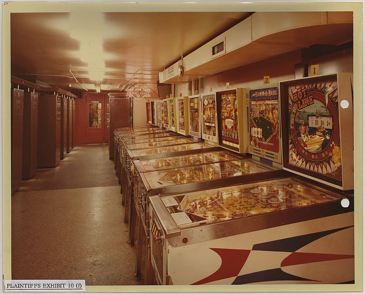 File:Wonderland Arcade, 1200 Grand Ave. Kansas City, Missouri - NARA - 283782.jpg