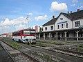 Zlaté Moravce, nádraží, vůz 812.009.jpg