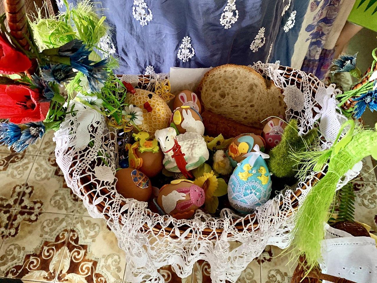 Święconka, Blessing Easter Basket at the Polish church in Brisbane (20 April 2019, 11:33:30)
