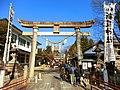 新羅神社正面鳥居をくぐる。 - panoramio.jpg