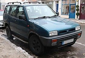 29108ddedaf19c 1994 Nissan Terrano II SLX 2.4 Front.jpg