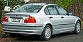 1998-2001 BMW 318i (E46) sedan (2011-06-15).jpg