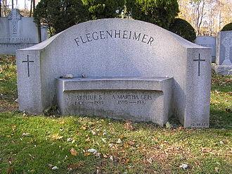 Dutch Schultz - The headstone of Dutch Schultz in Gate of Heaven Cemetery