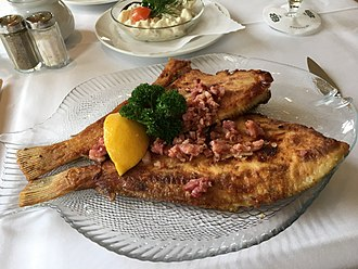 Cuisine of Hamburg - Fried plaice with bacon, Finkenwerder style
