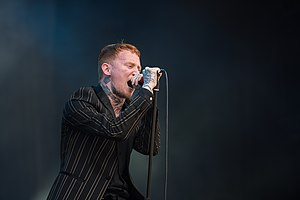 2017 RiP - Frank Carter & The Rattlesnales - Frank Carter - by 2eight - 8SC8836.jpg