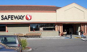 English: A Safeway Inc. supermarket in Sunnyva...