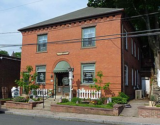 Collinsville, Connecticut - Image: 5 River Street, Collinsville, Canton, CT