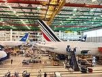 787 Assembly Line Tails (32910230421).jpg