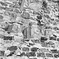 Afgehakt consolebeeldje naar het oosten zijde zuid transept. - Amsterdam - 20013017 - RCE.jpg