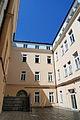 Akademisches Gymnasium Graz, Innenhof.JPG
