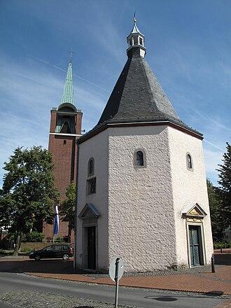Aldenhoven - Image: Aldenhoven, toren bij kerk foto 1 2010 09 05 14.03