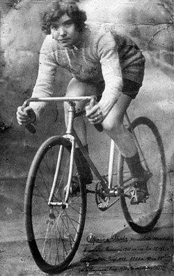 Fotografia de la ciclista Alfonsina Strada