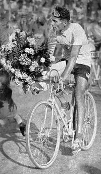 Alfredo Binda 1933 (cropped).jpg