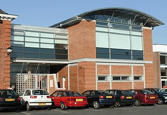 Alleyn's School - The new library building was opened in 2002 by the then poet laureate Andrew Motion.