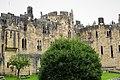 Alnwick Castle (46572287911).jpg