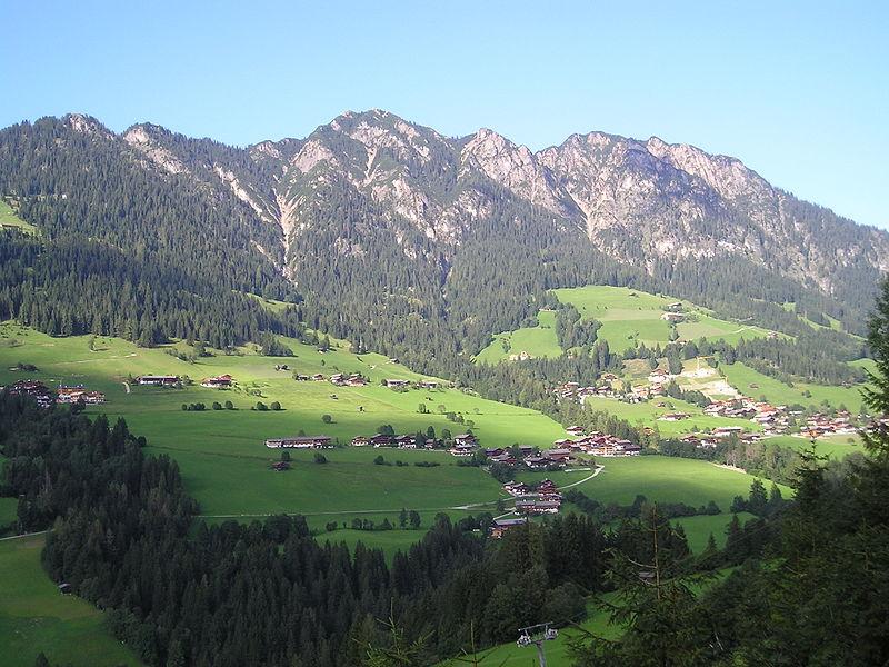 קובץ:AlpbachTirol.JPG