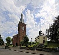 Alte u. neue Pfarrkirche in Sechtem. St. Gervasius - St. Protasius und Nikolauskapelle.jpg