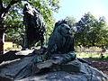 Am Tierpark, Zwei Löwengruppen I.jpg
